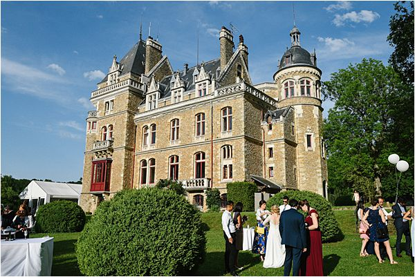 beautiful weather in wedding at Château de Méridon