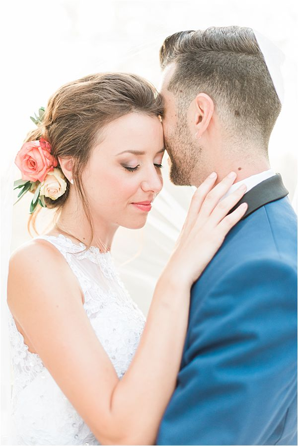 bride with a fresh wedding look at paradise of birds wedding on French Riviera