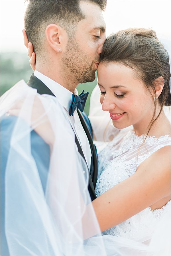 couple at paradise of birds wedding on French Riviera