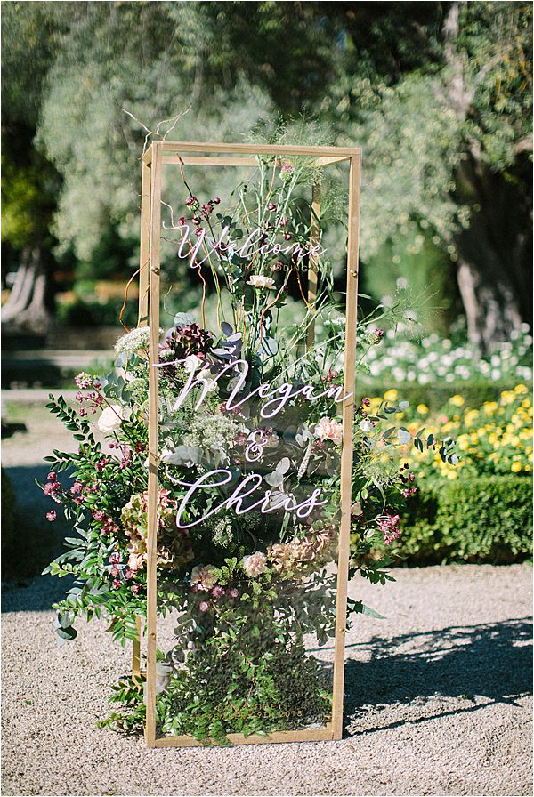 creative signage in Wedding at Bastide du Roy Provence