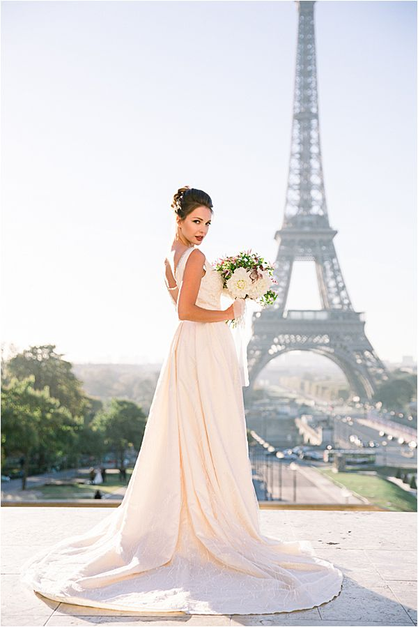 elegant bride at Bridal Photography in Paris