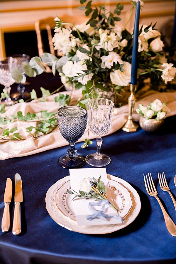 elegant table setting at Winter Wedding in Paris