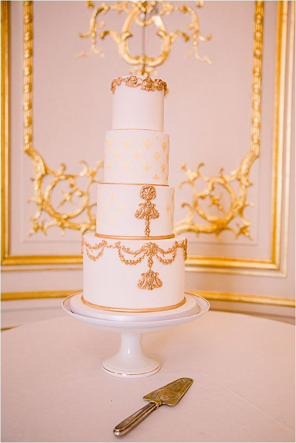 fabulous cake at Winter Wedding in Paris