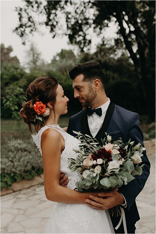 lovely couple at paradise of birds wedding on French Riviera