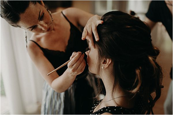 make up artist at paradise of birds wedding on French Riviera