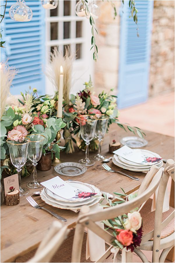 nature inspired table set up at paradise of birds wedding on French Riviera