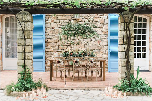 touch of nature at paradise of birds wedding on French Riviera
