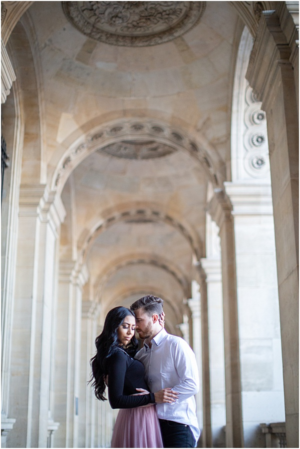 Honeymoon Shoot in Paris In the Arches at the Louvre