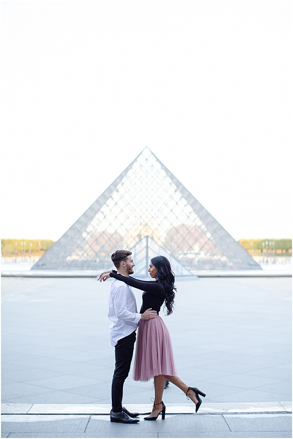 Honeymoon Shoot in Paris Sunrise at the Louvre