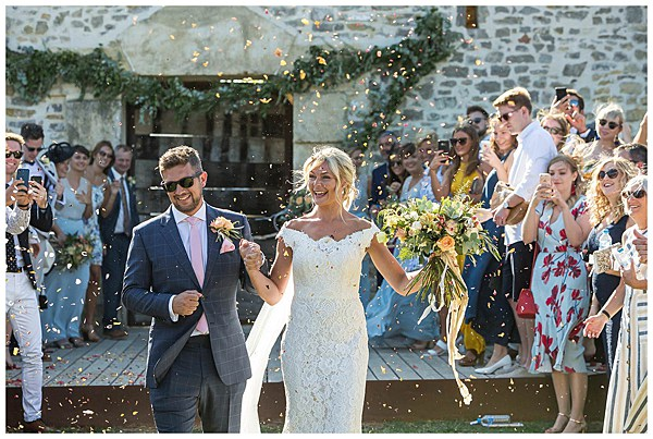 Wedding in Languedoc Rousillion With Confetti
