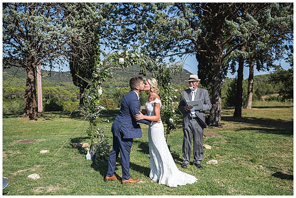 Wedding in Languedoc Rousillion You may now kiss the bride