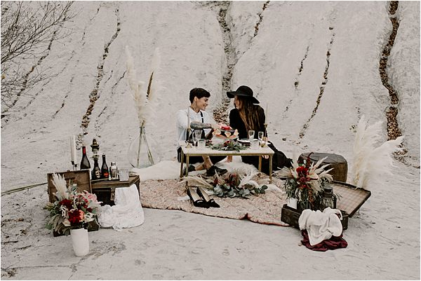 couple dining out in international wedding photography