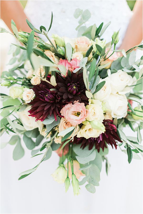 floral creation at paradise of birds wedding on French Riviera
