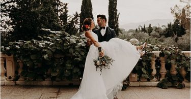 perfect match at paradise of birds wedding on French Riviera