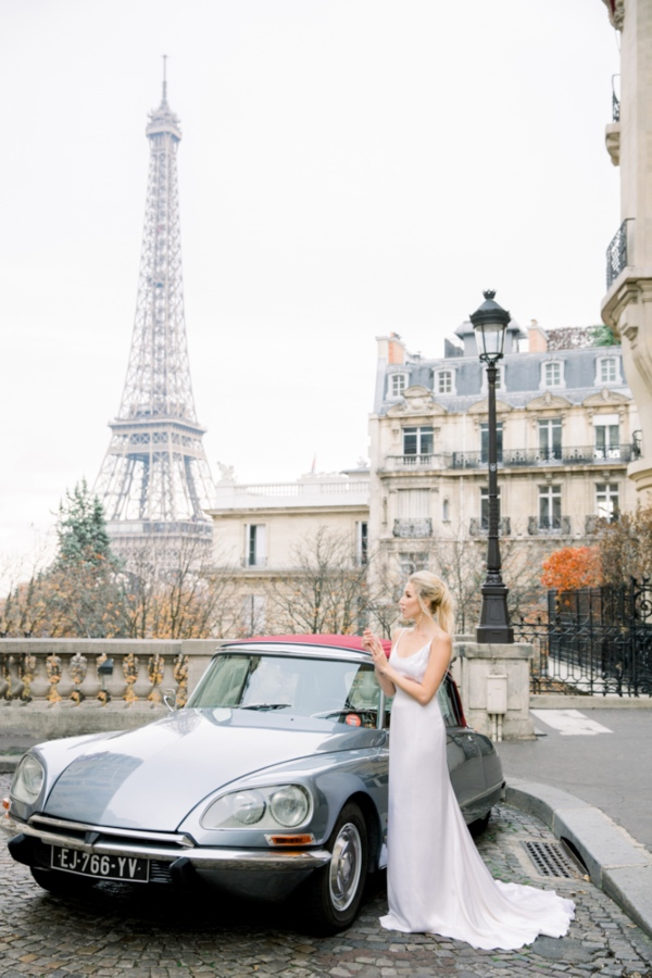 Bride Paris Car Eiffel Tower