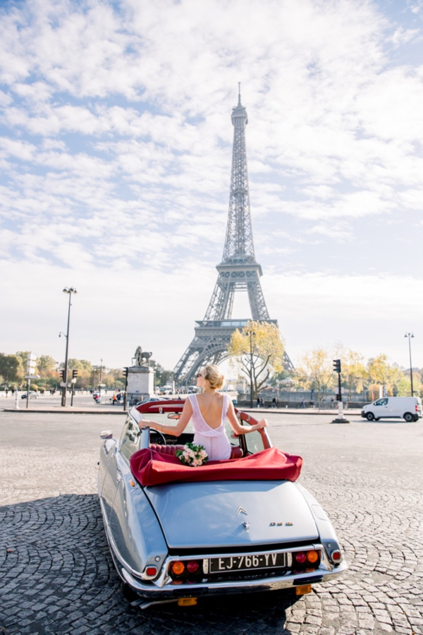 Bride in Car Paris