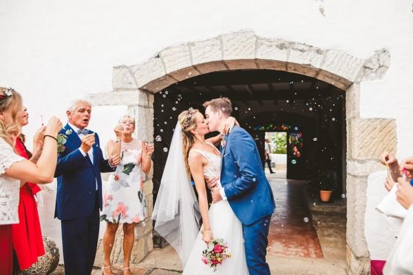 Confetti Moment France Wedding