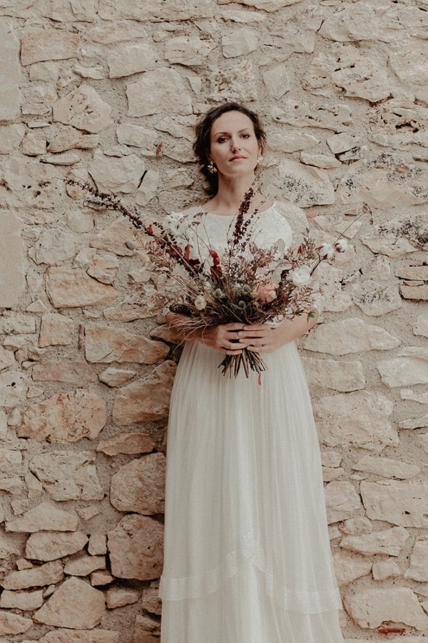 Minimalist Bridal Shot with Dried Floral Bouquet