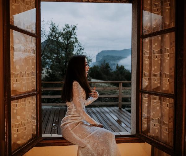 Modern Vietnamese Wedding Bride