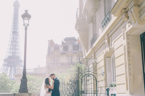 Paris Eiffel Wedding Photo