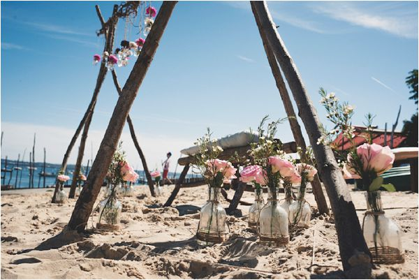 beach wedding ceremony in France by Noces du Monde