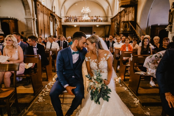 wedding couple marry in france