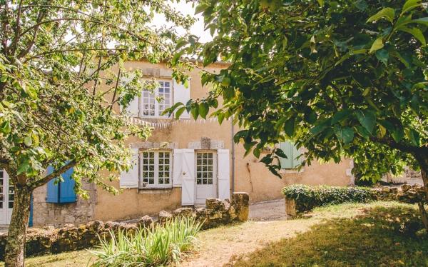 Castelnau des Fieumarcon Front View