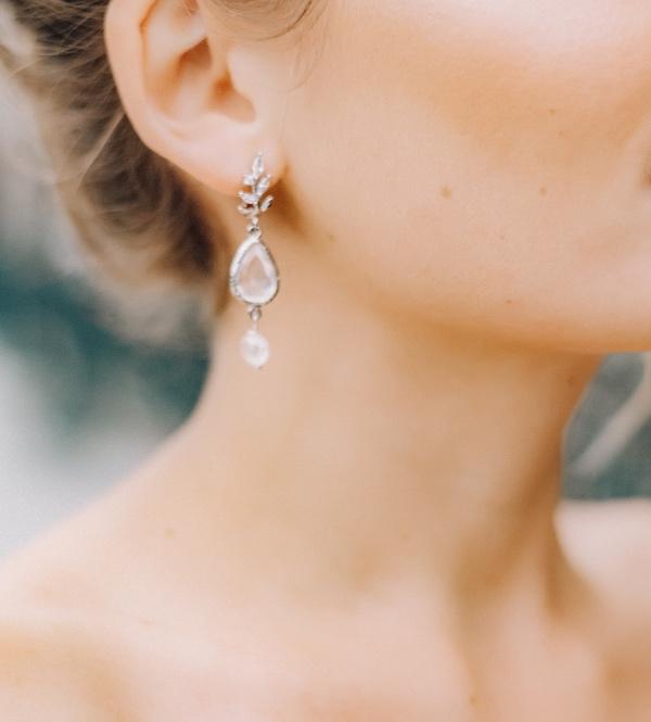 bridal earring details
