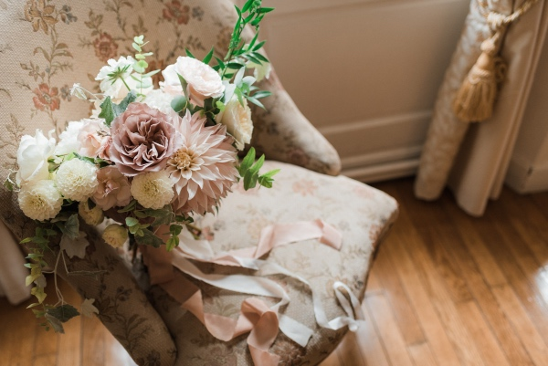 chic vintage bridal bouquet