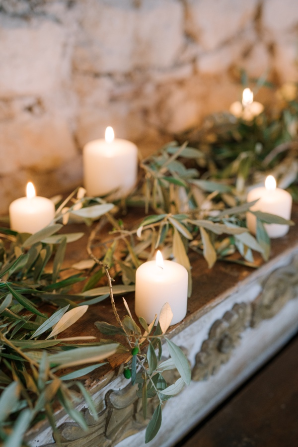 delicate natural wedding decor