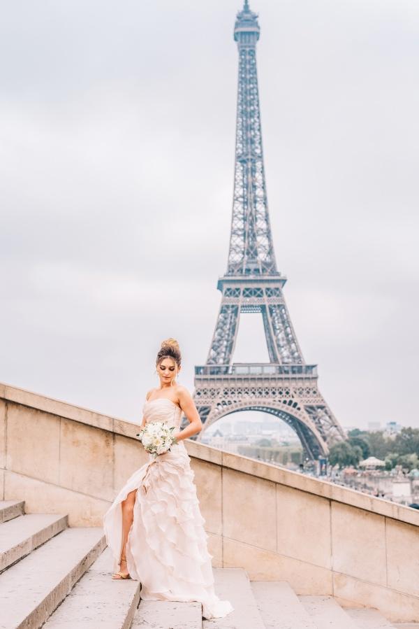 elegant bride in paris