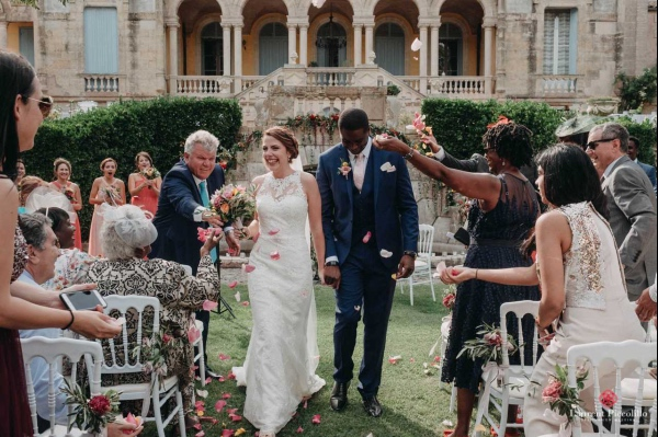 french wedding confetti moment