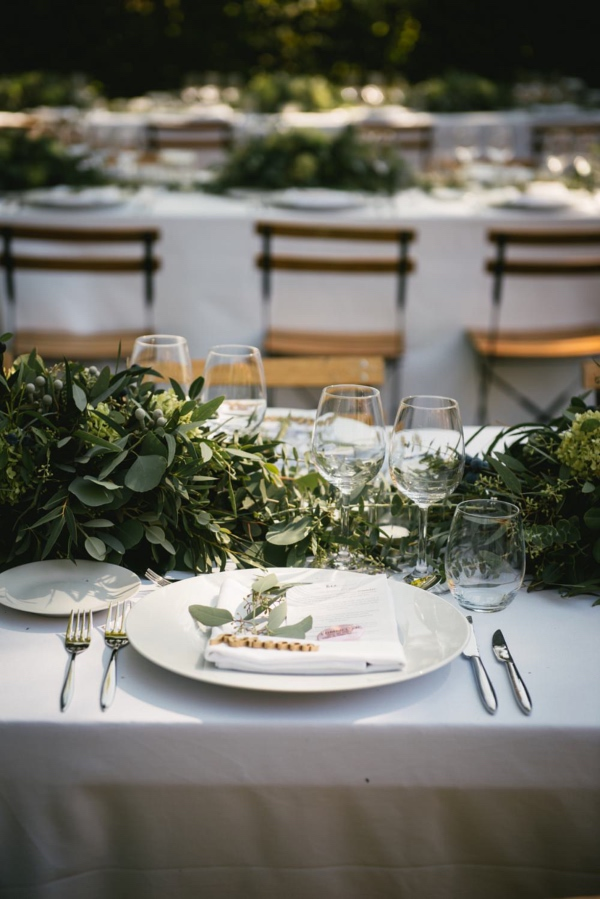 green foliage table runner