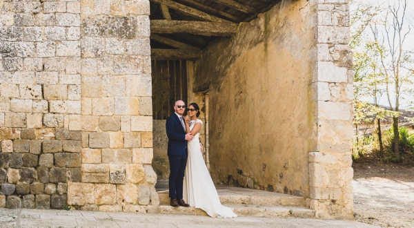 happy couple at Castelnau des Fieumarcon