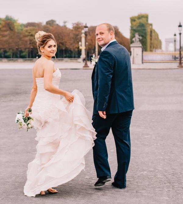happy paris elopement couple