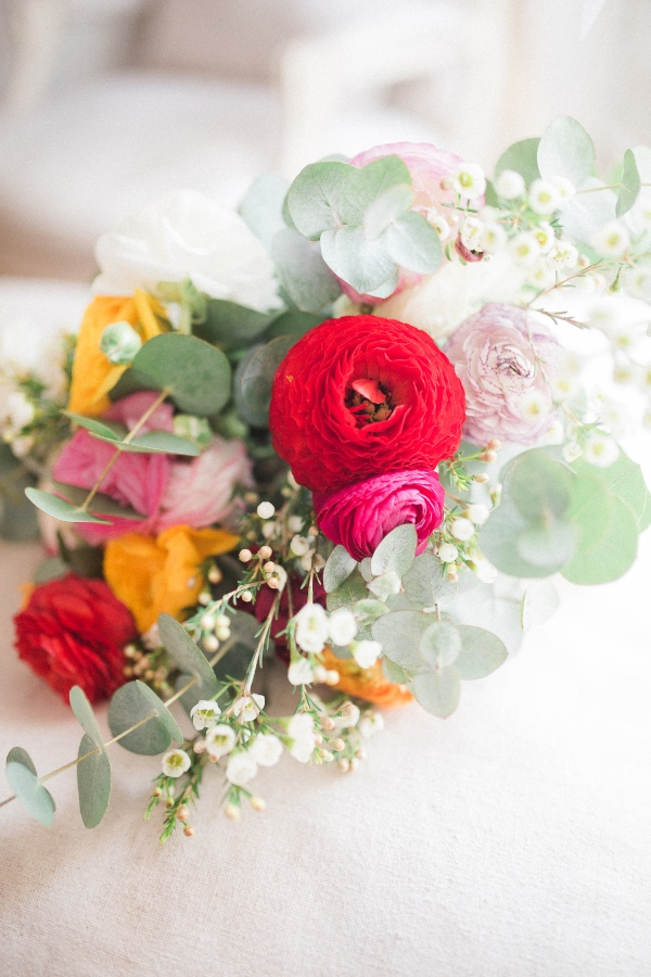 paris vibrant bridal bouquet