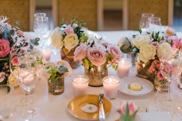 pink blush table decor