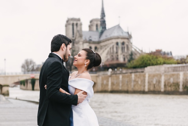 romantic modern paris couple