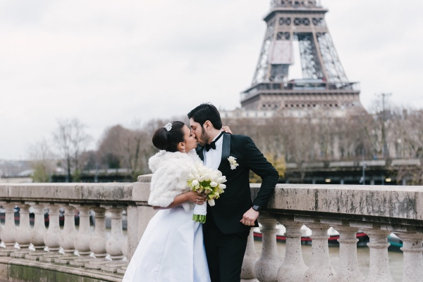 romantic winter wedding Eiffel tower