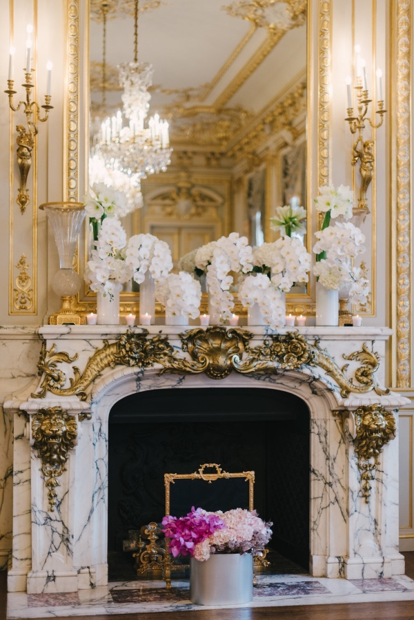 white florals wedding decor