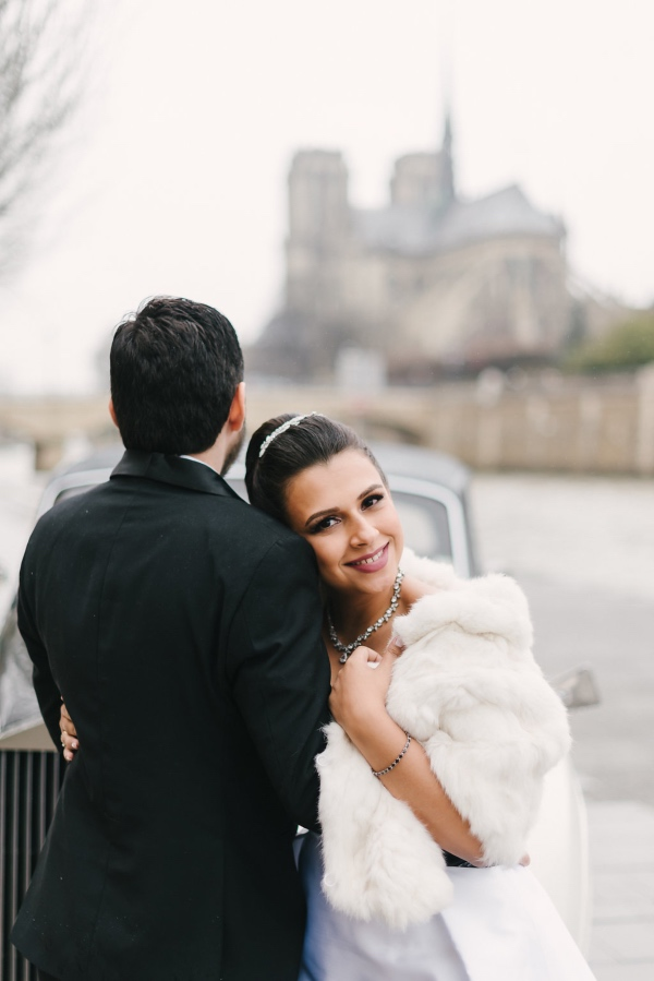 winter wedding paris couple