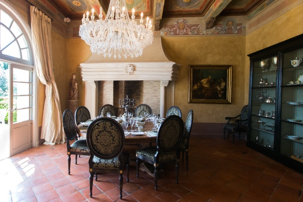 Chateau Diter Elegant Room