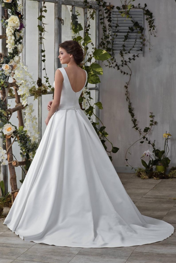 PurPassional Bridal Elegant Gown