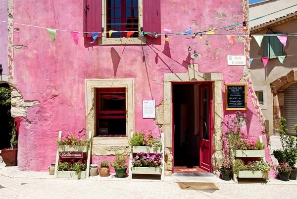 Village Castigno pink