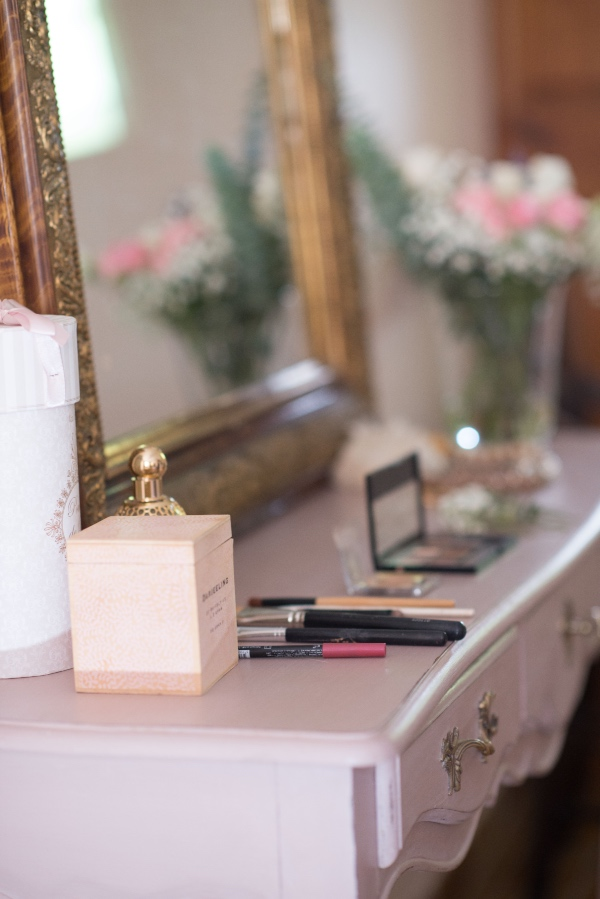 bridal makeup dresser