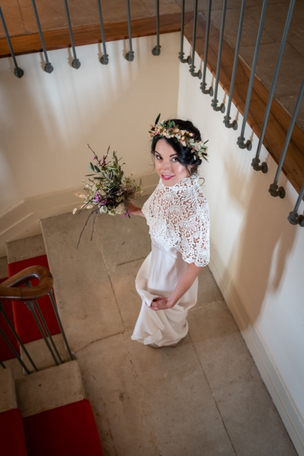 bride with rustic bouquet
