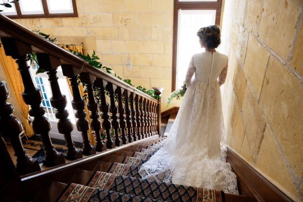 chateau bridal stairs