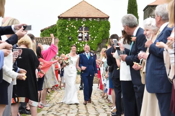 confetti moment wedding