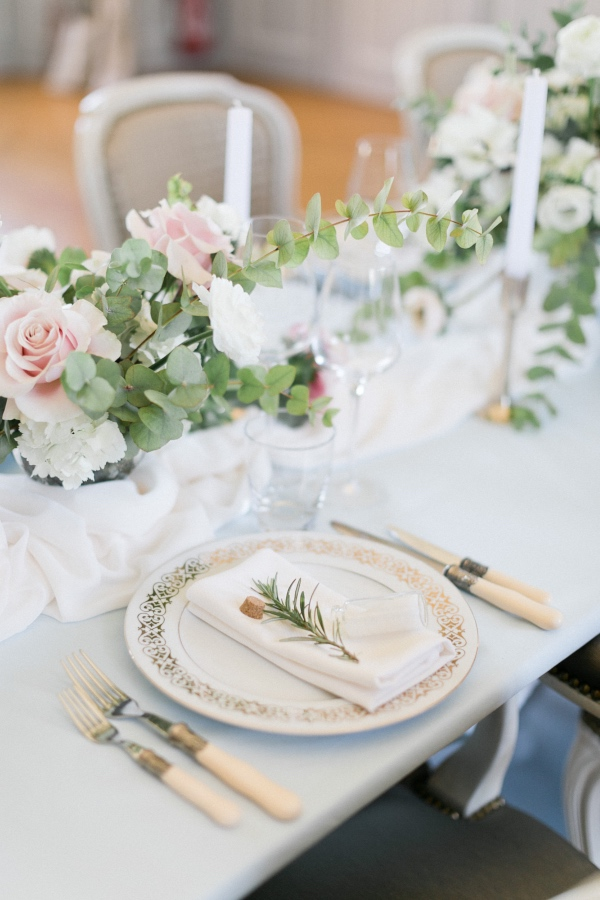 french chateau place setting