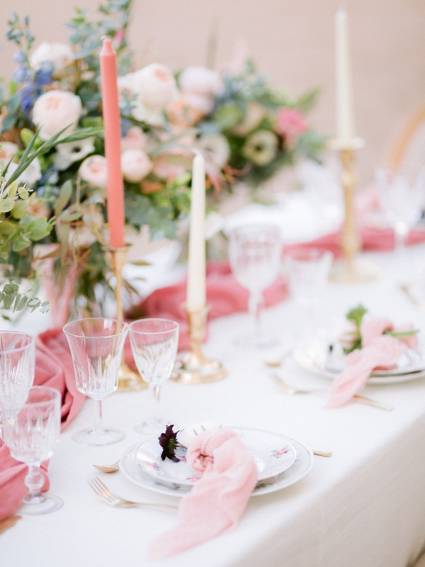 rose pink table decor
